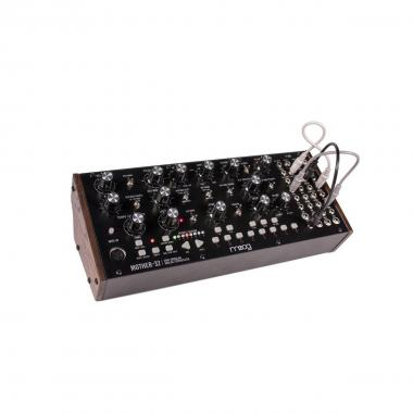 MOOG MUSIC Mother-32